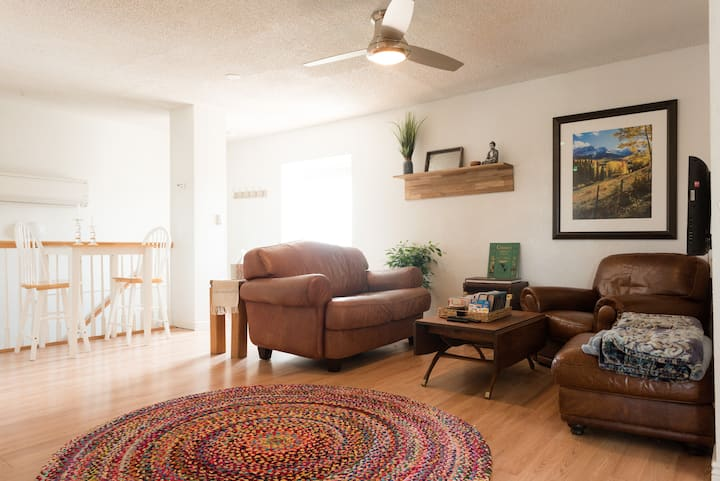 Tidy Broomfield CarriageHouse on 3acres w/Mtn view