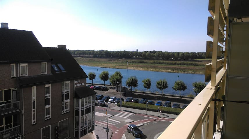 Nice apartment in city center with parking lot - Venlo - Apartamento
