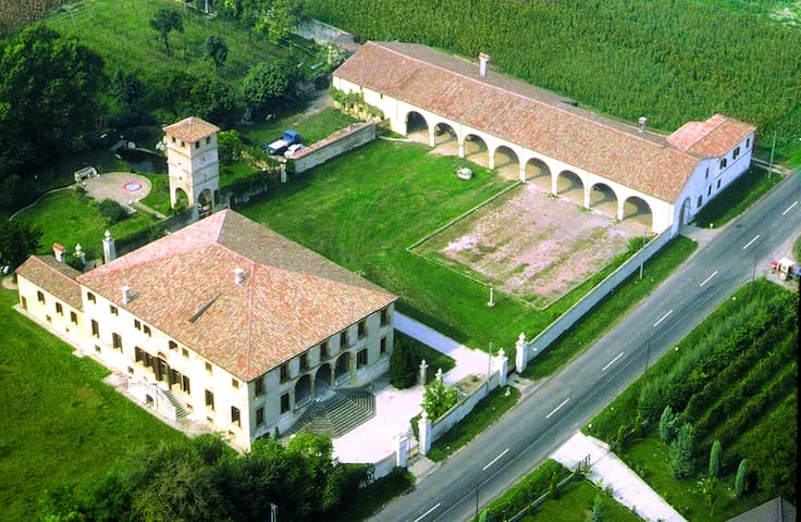 ViviLa Villa: appartamenti in Dimora Storica