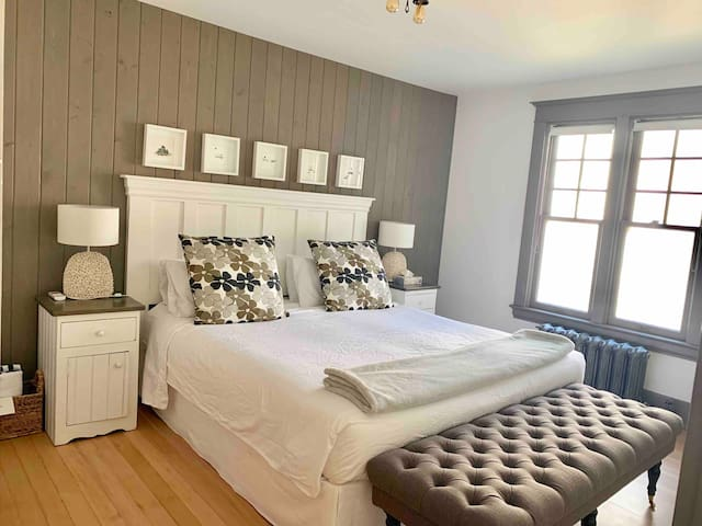 Beautifully appointed king bedded suite.