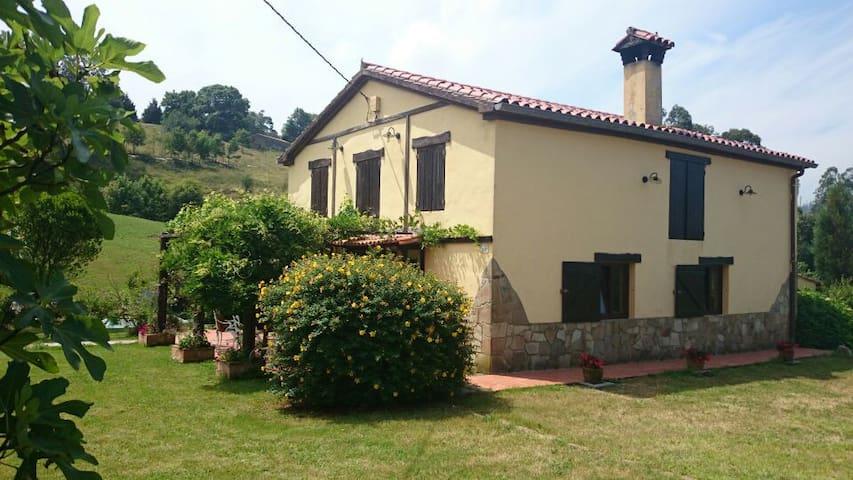 Casa de campo a 20' de Santander y 15' de la playa - Navajeda - House