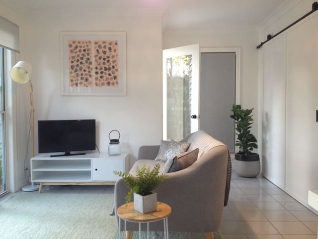 Inner-City Style – Close to charms of Brisbane