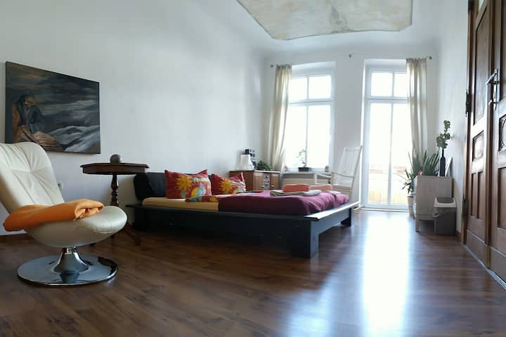 24sqm Room bright old Berlin style a nice location