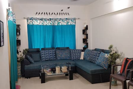 1 room and living room available to share in 2BHK