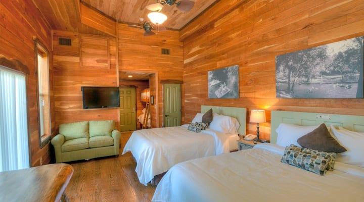 Studio Treehaus Luxury Suite