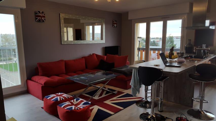 logemnt refais à neuf de 67M2 - Chartres - Apartment