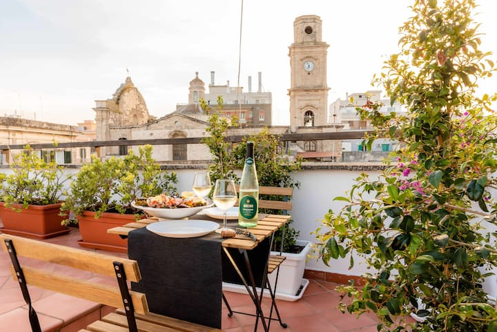 WePuglia-Terrazza su Monopoly, 2nd floor apt., private terrace, Wi-Fi, A/C