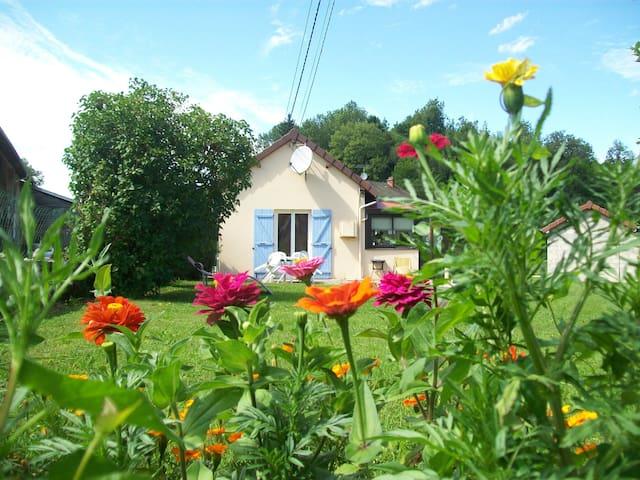 Charmant gîte Jura - Syam - Rumah
