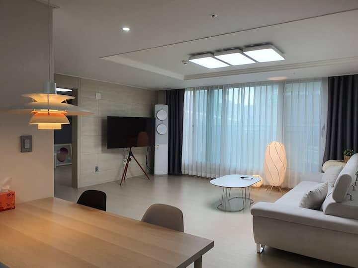 아늑하고 깨끗한집(New apt. 3Room 2Bath) Designer's house4