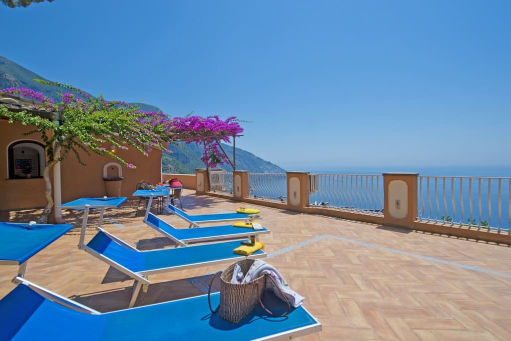 huge terrace with pool and sea view v715 villas for rent in positano campania italy. Black Bedroom Furniture Sets. Home Design Ideas