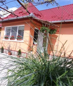 Casa Mara is situated in Turda,5 km from Salt Mine