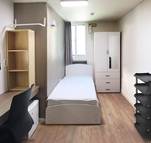 1min from Ewha sta. DavidhouseEwha for rent #1