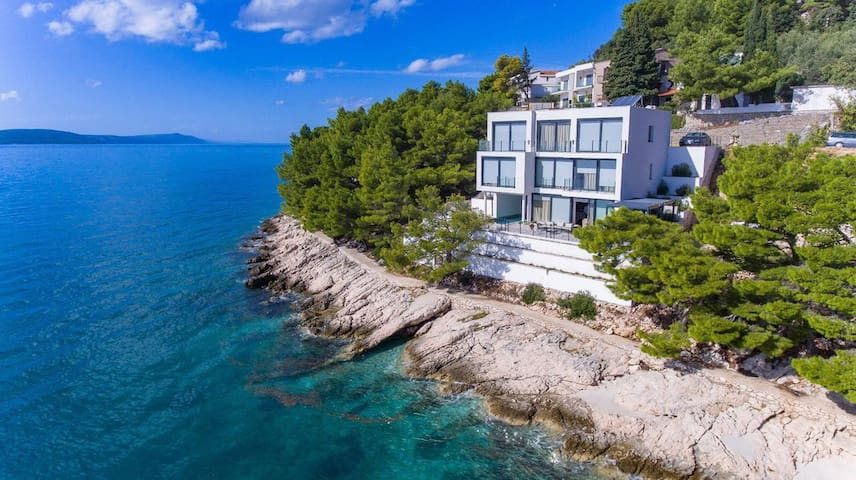 Beautiful Villa Puntin, in Dalmatia