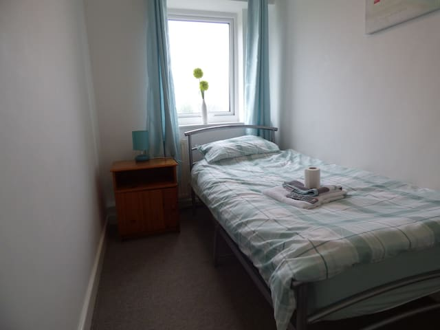 Room 4 - 15 Harvey Road