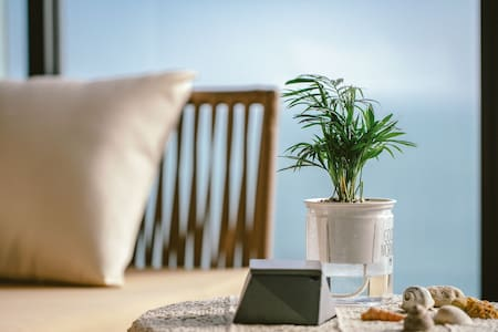 【一栈·海】保利-临海超棒视角观海-日式清新简约-浪漫窗纱-希尔顿旁边-大床带沙发床