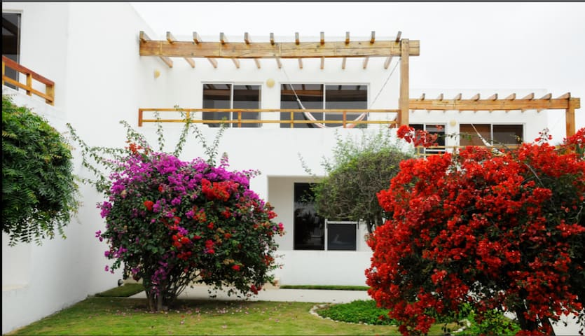 $45 pp Deluxe Cottage in front of the beach. - Machalilla - Cabaña