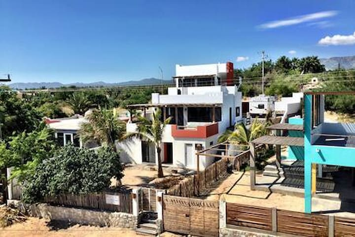 Casita Akhaya, great location, rooftop deck