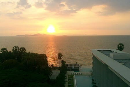 Beautiful Beachfront/Pool/Balcony/Seaview Condo! - Pattaya - Pis