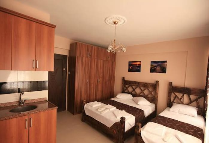 2 OR 3 PERSONS TWİN NİCE ROOM İN HİSTORİCAL AREA