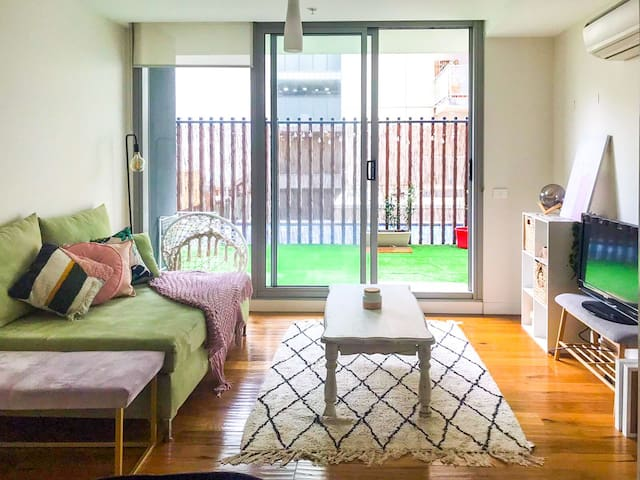 Modern Apartment in Port Melbourne