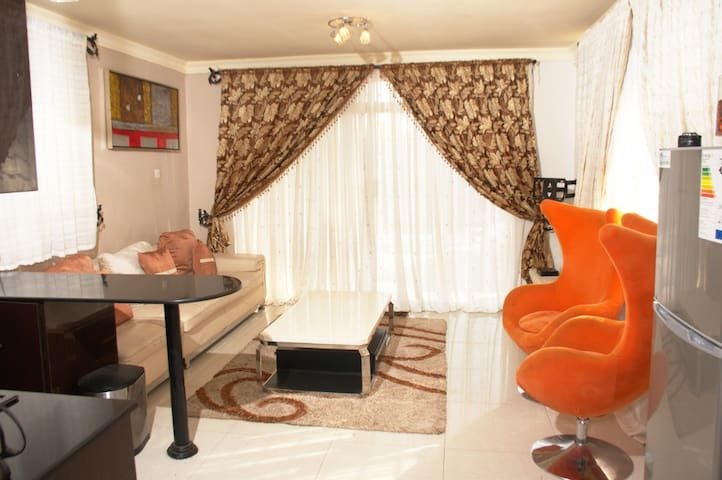 Cosy and quiet Cottage. Centrally located in LSK