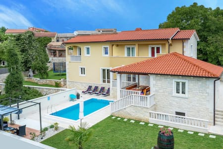 Villa Mira with swimming pool