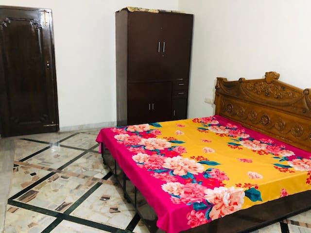 Private 2 Room set  with separate entrance