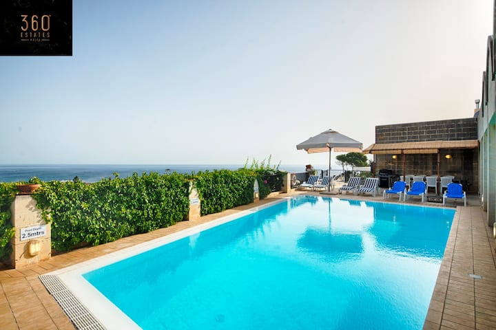"""Panoramic Dream"" A beautiful 5Br villa with Pool☀️"