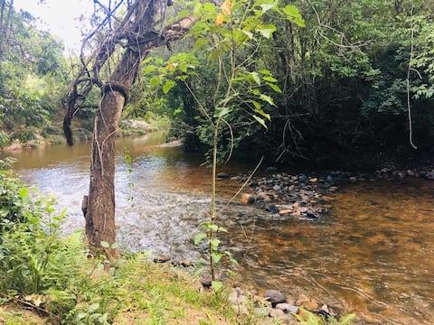 Camping J.A beira de rio, na Chapada dos Veadeiros