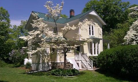 Completely Restored Victorian Retreat