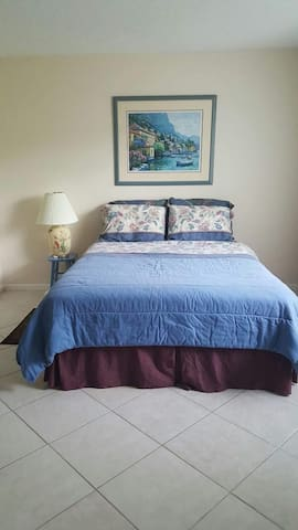 Cozy private room in a great area - Delray Beach - Dom