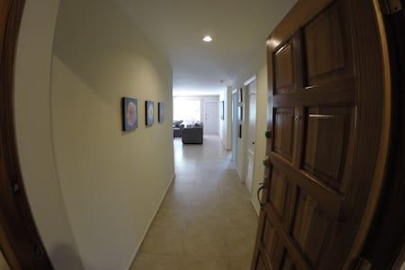 2 BR Apartment Costa Proceres - Tegucigalpa - Byt