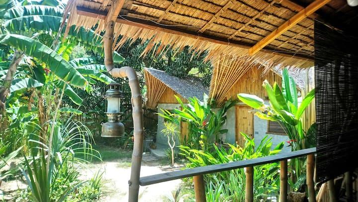 AC Bungalow: Buwan. El Nido Corong-corong