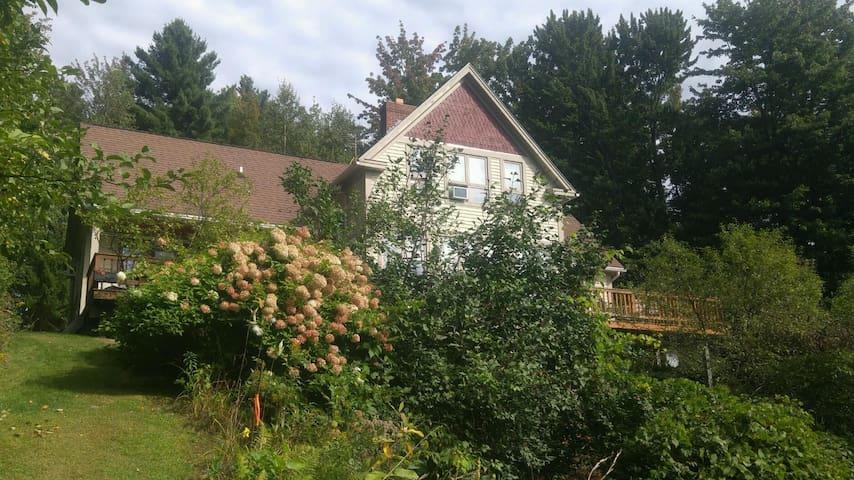 Post & Beam Country  Home - Waterbury - House