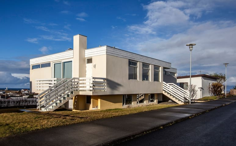 Blue House B&B - Yellow House - Group Apartment - Seltjarnarnes - Andere