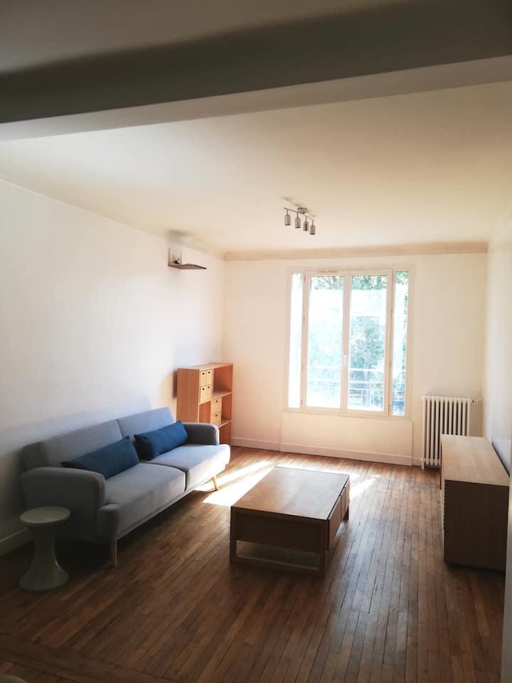 Appartement 40m2 avec vue jardin, 15 min de Paris