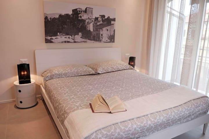 "Camera ""u Burgu"" b&b Rosanna - Loano - Bed & Breakfast"