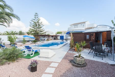 Chalet  private pool,garden wi-fi - Torrevieja