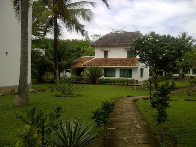 Awesome Beach house,ocean view,fully furnished - Kilifi - Huis