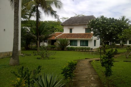 Awesome Beach house,ocean view,fully furnished - Kilifi - Hus