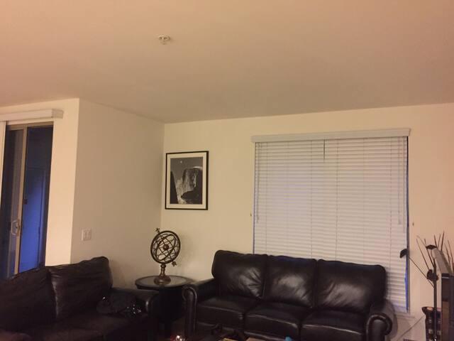 Modern Spectrum Suite - Irvine - Apartment
