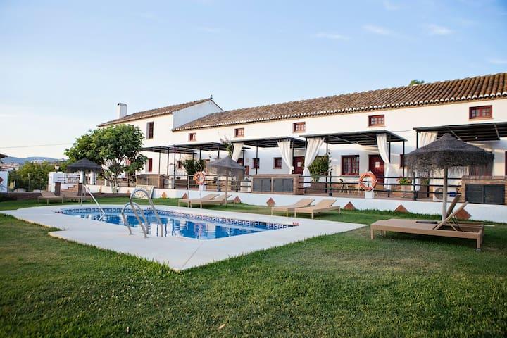 Dúplex Superior con terraza y vista piscina (2Pax)