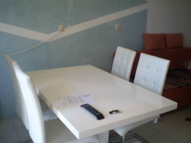 Rona apartment Jelena