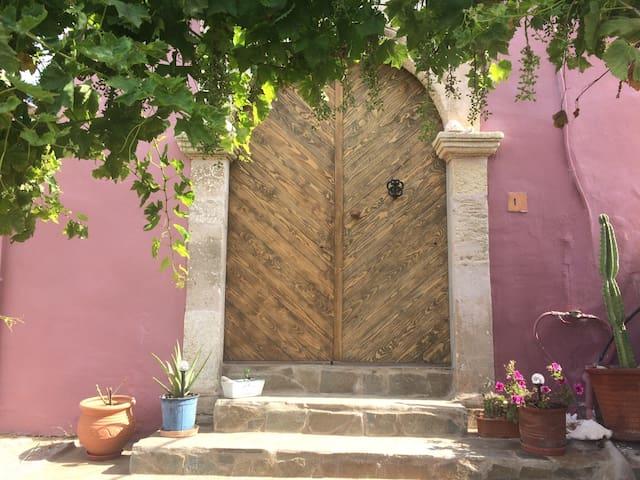 Traditionelles Haus im Süden von Rhodos