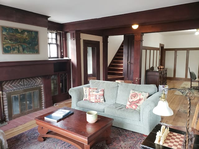 Prairie Style Home by Frank Lloyd Wright disciple