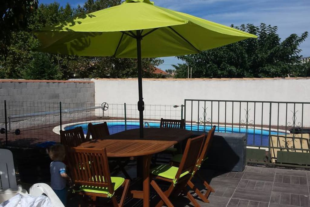 Villa de 80m2 avec piscine et jacuzzi houses for rent in for Piscine de berre