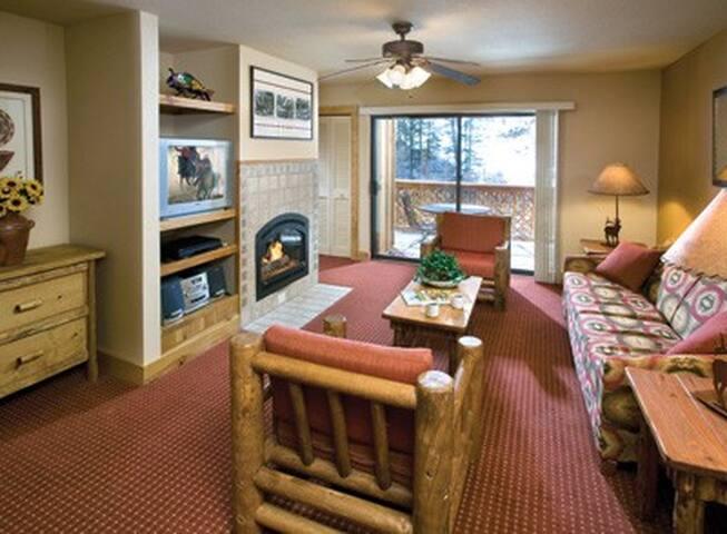 RED RIVER 1 BEDROOM SLEEPS 4 NICE! GREAT LOCATION! - Red River - Apto. en complejo residencial