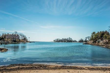 Little Harbor, Private Beach, Big Retreat - Guilford - Hus