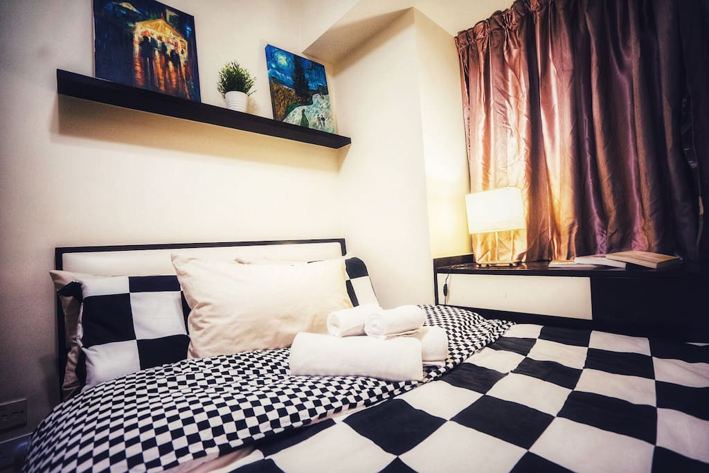 double bed with painting design