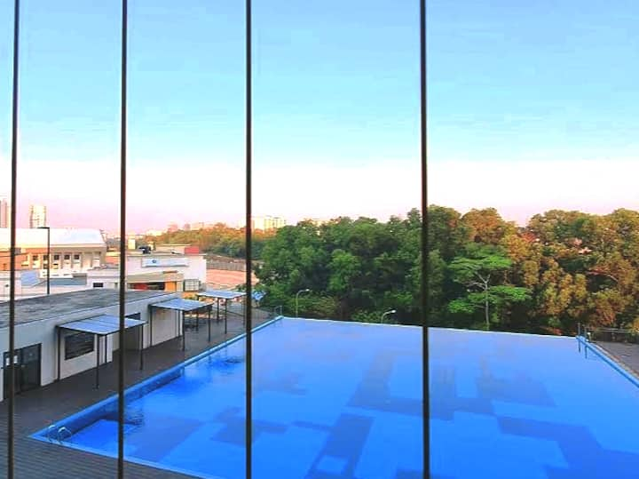 #1 Insta-Worth Stay w Infinity Pool Gym Nflix WiFi